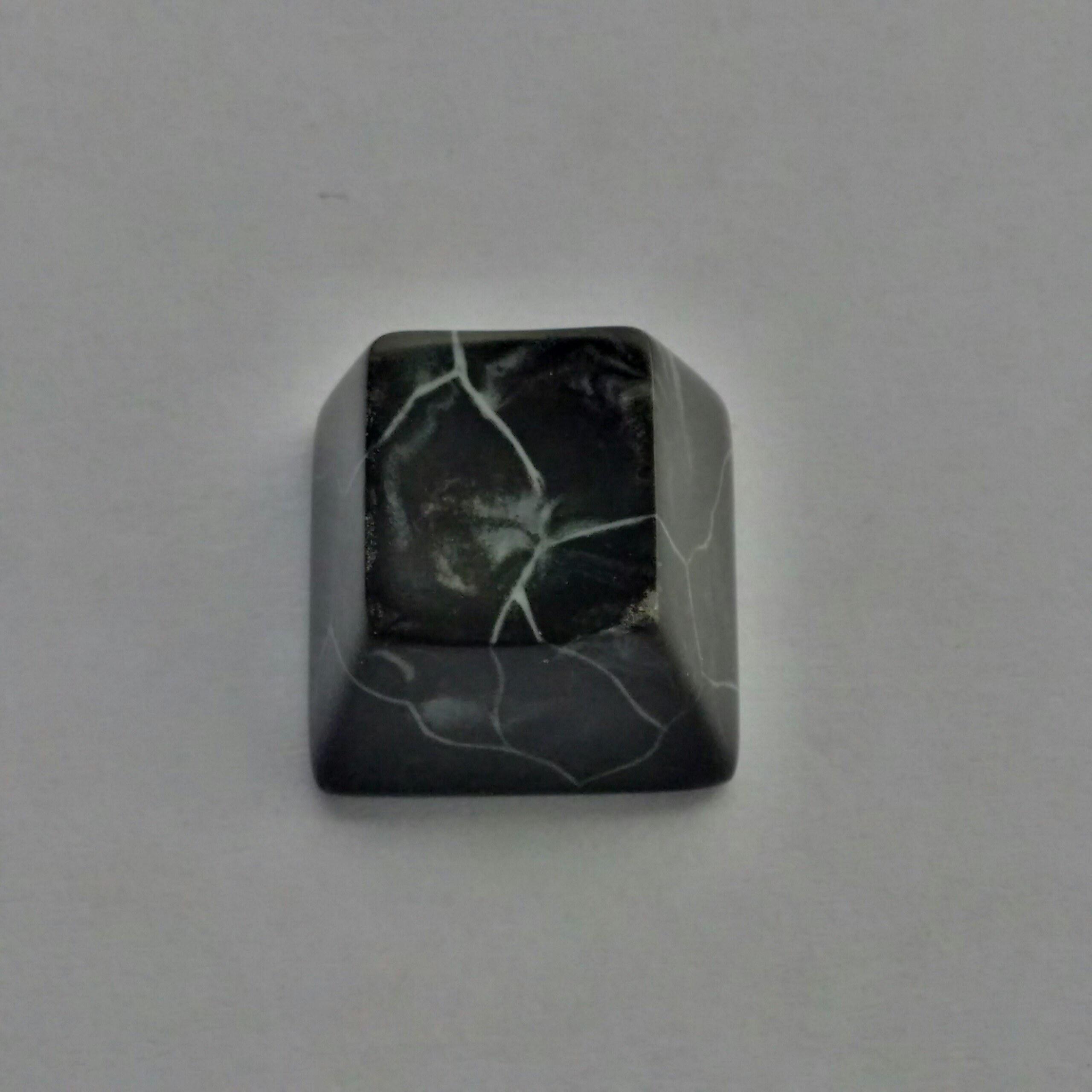 marble-topre-1-black-2