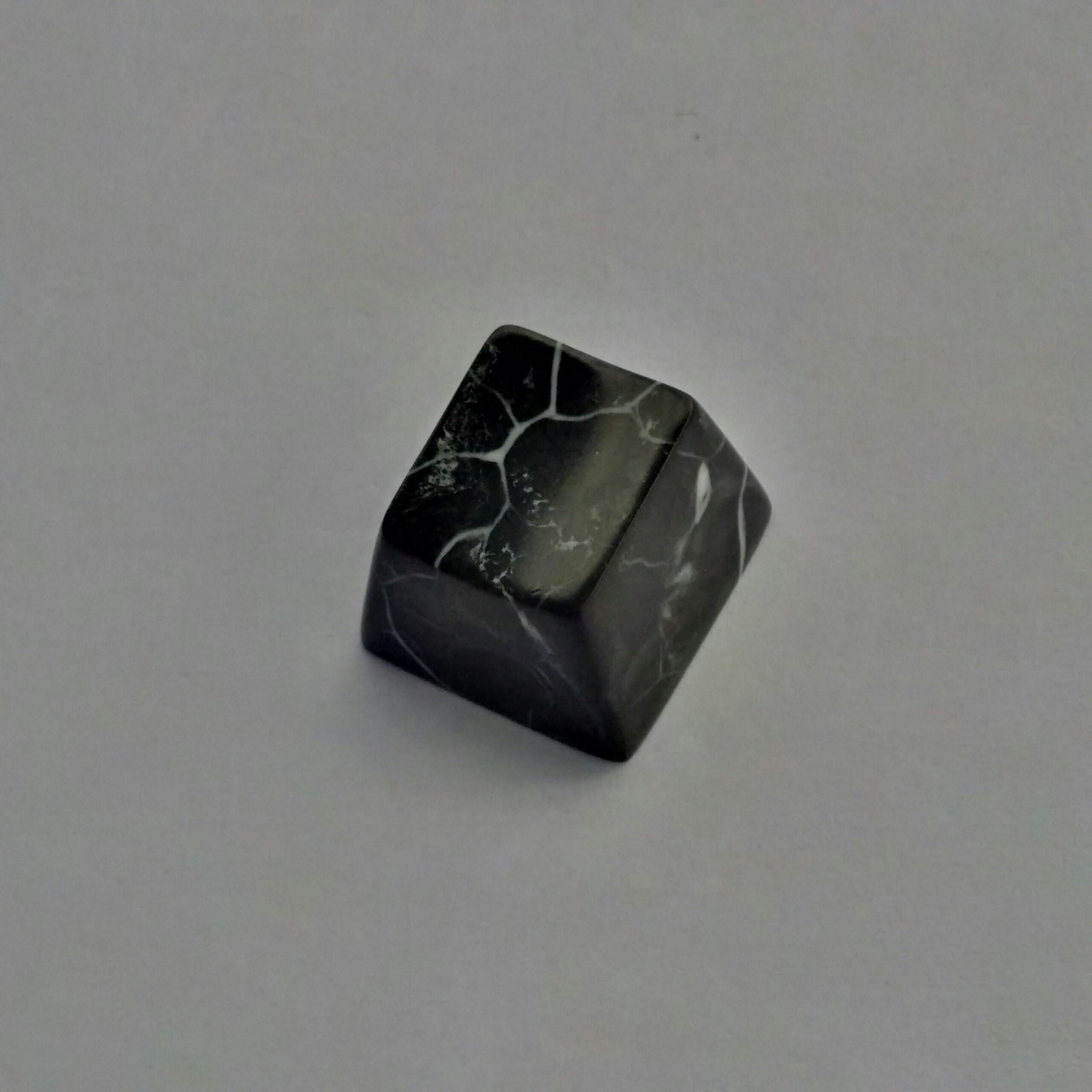 marble-topre-3-black