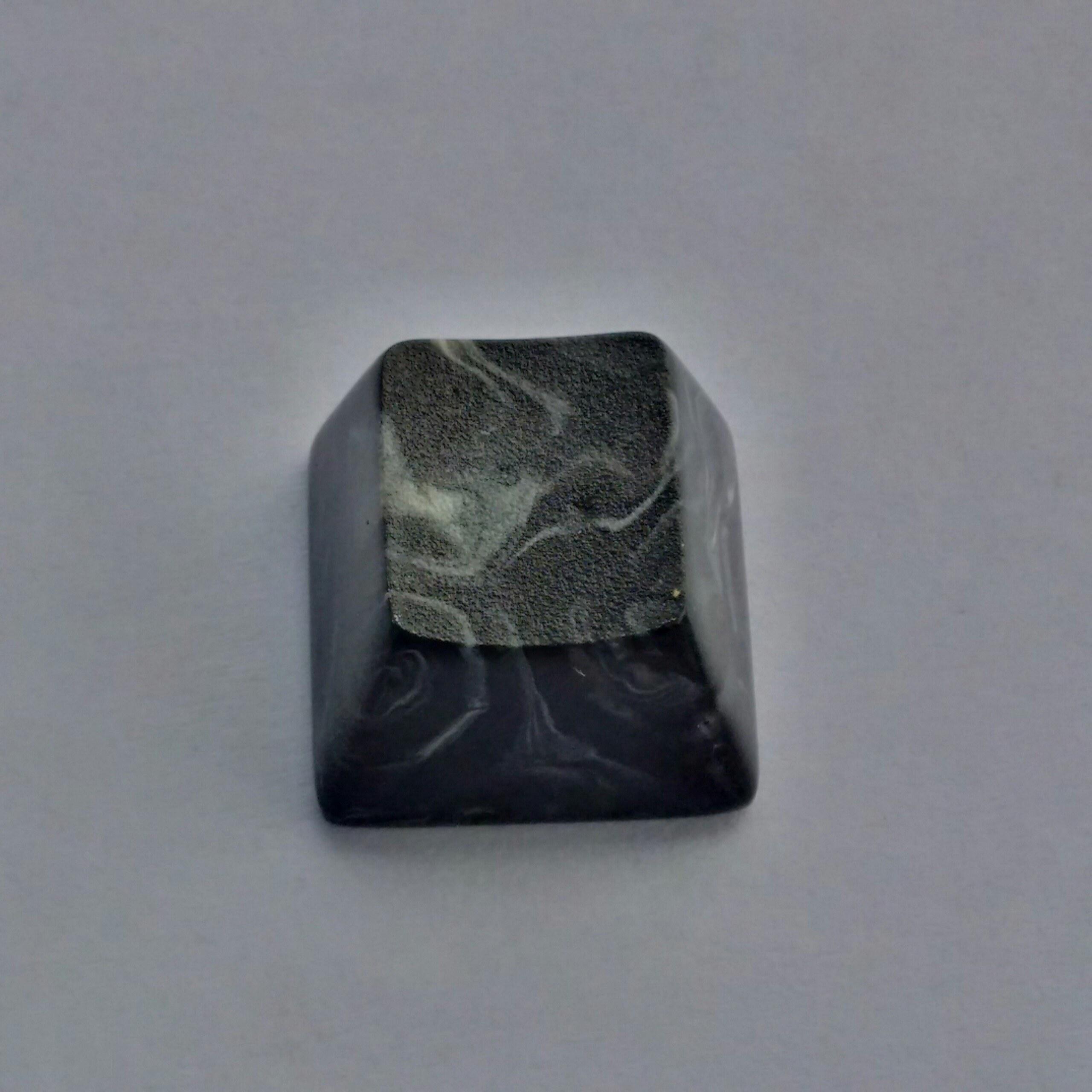 marble-topre-5-black-2